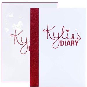 KYLIE/ Kylie's diary Pressed powder palette